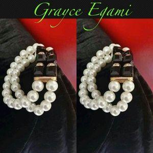 Jewelry - SOLD! Pearl & Black Onyx Bracelet