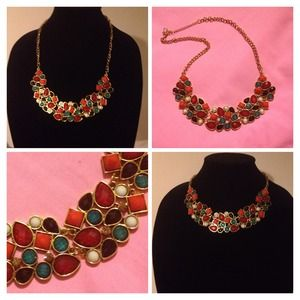 Bib colorful necklace