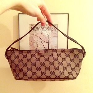 HP 9/19Gucci Pouchette Purse