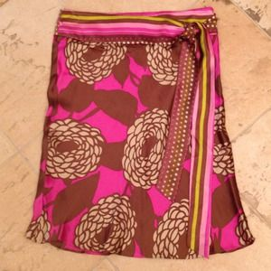 Alice & Trixie Dresses & Skirts - Alice & Trixie 100% silk skirt size XS NWOT