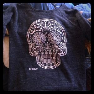 Sweaters - Comfy crew neck obey sweater