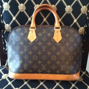 *HOST PICK* Authentic Louis Vuitton Alma PM