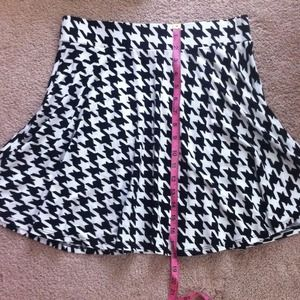 Skirts - High waisted houndstooth skater skirt. 3