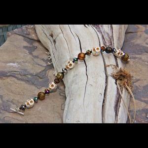 Jewelry - Skull & gemstone bracelet