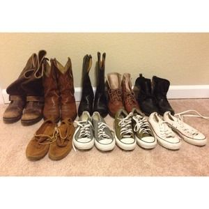 MAKE ME OFFERS! Frye, JC, Freebird, converse etc..