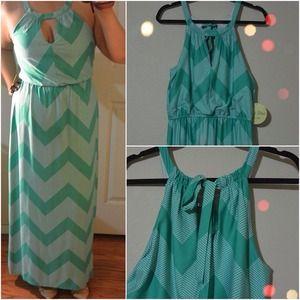 Dresses & Skirts - Chevron & Polka dot maxi - M