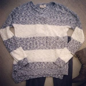 Lightweight sweater size small.