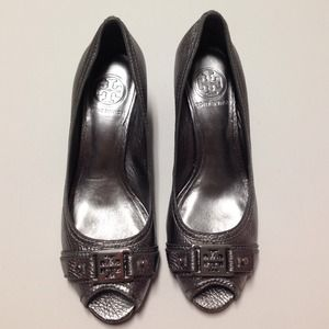 ⬇️REDUCED⬇️ Tory Burch pewter peep toe wedge