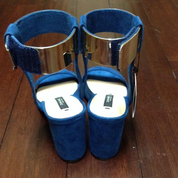 40 Off Zara Shoes Zara Blue Suede Block Heel Gold Ankle