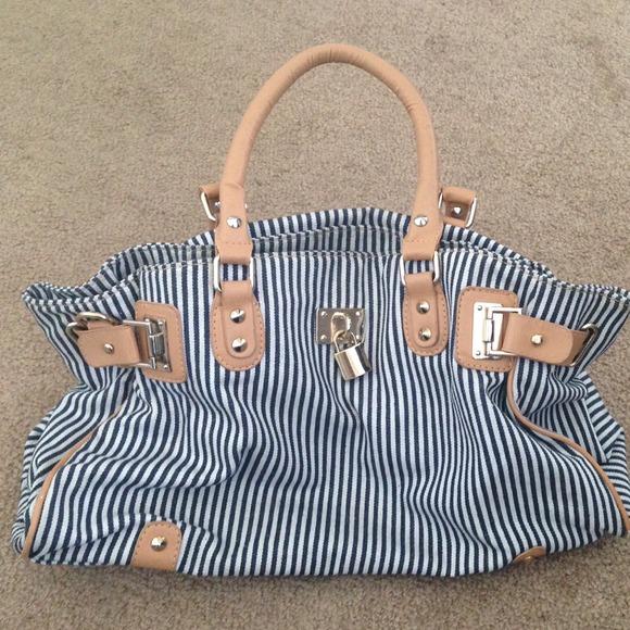 bata London Handbags - Bata London Navy bag 11fbf2105f5f7