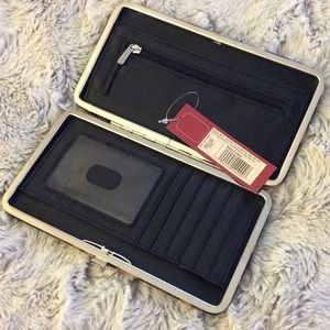 Bags - ❗️$10 SALE❗️Leopard clutch wallet 2