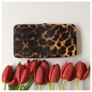 Leopard clutch wallet