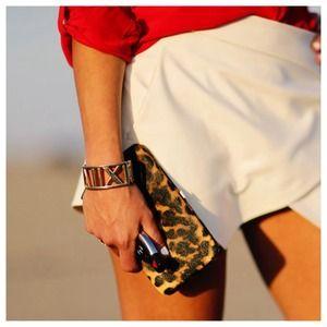 Bags - ❗️$10 SALE❗️Leopard clutch wallet