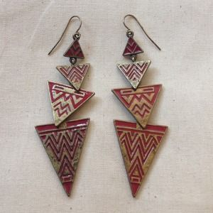 ❌SOLD in bundle! Fun Aztec earrings!