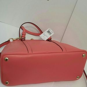 Coach Bags - PM EDITOR PICK SALE Coach coral leather satchel