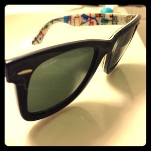 AUTHENTIC RAY BANS WITH CASE