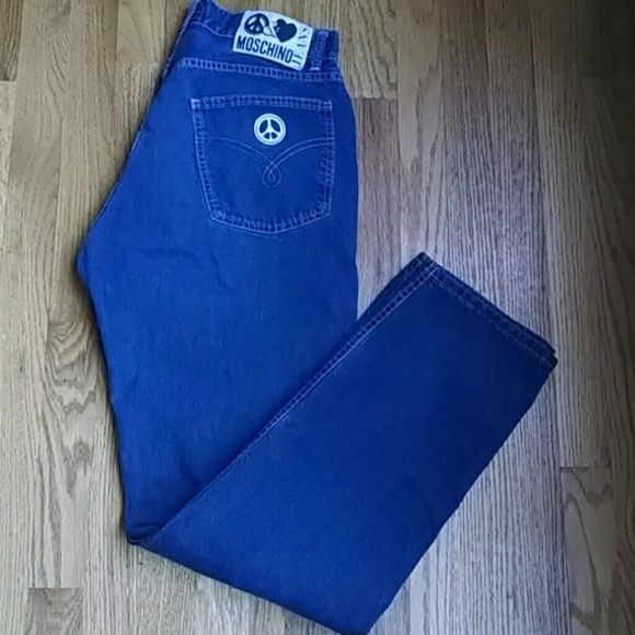 83f3f10727 Moschino High Waisted Straight Leg Vintage Jeans. M 532b4c90ba534026a40854ed
