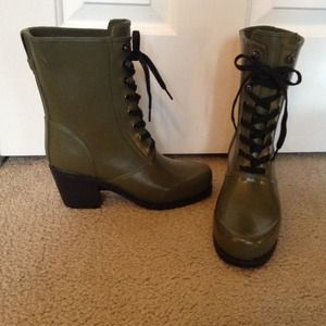 Waterproof healed boots