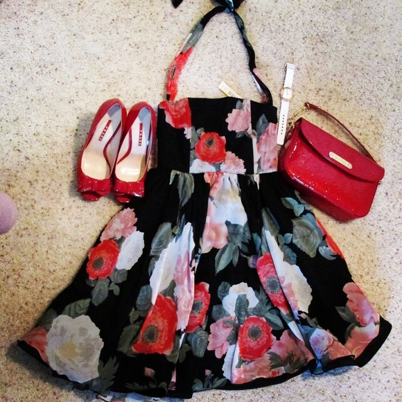 Alice + Olivia Dresses - 🌹HP🌹 Alice + Olivia chiffon dress size 0 BNWT