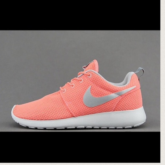 Run Nike Nike Womens Coral Shoes Roshe Runs Coralfloral Floral Nike