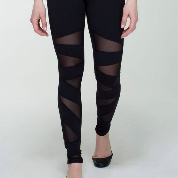 lululemon athletica - Lululemon Black Tech Mesh Tights Size 4 from ...