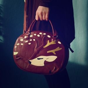 Handbags - 🍂Leather Sleeping Deer Purse🍂