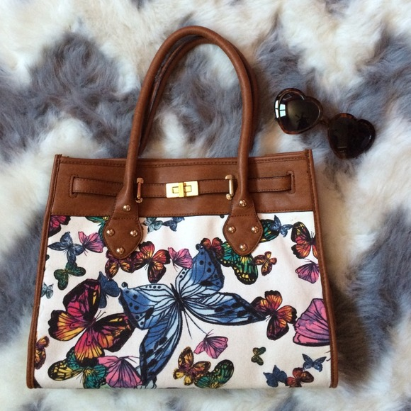 ALDO Handbags - 🐚 ALDO Butterfly Handbag