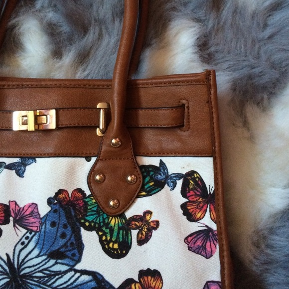 ALDO Handbags - 🐚 ALDO Butterfly Handbag 2