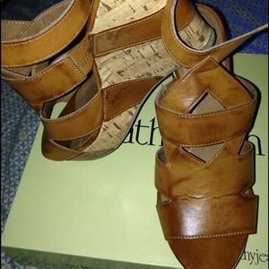 Size 8 Cathy Jean Camel wedge
