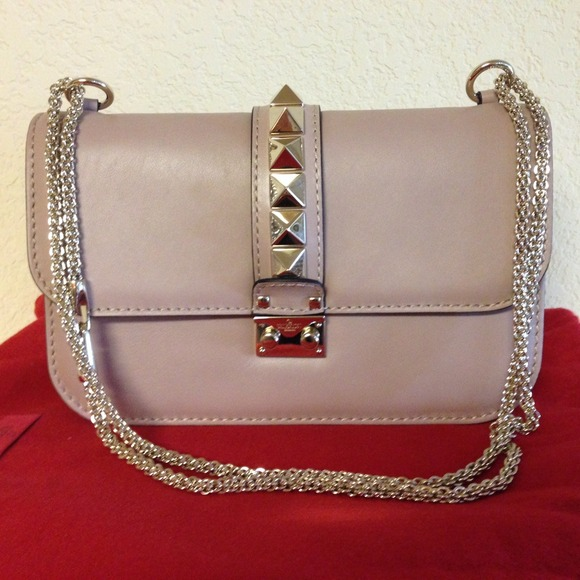 93364fc53a6d9 Valentino Rockstud flap shoulder bag medium
