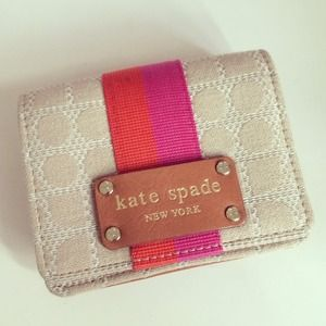 😍 HOST PICK! Kate Spade coin purse
