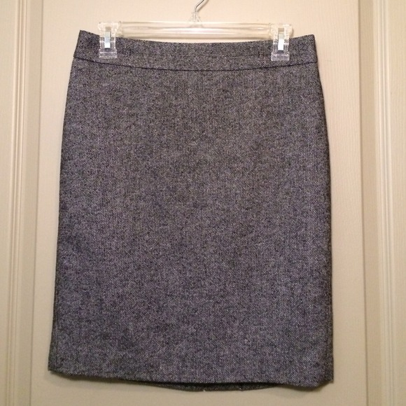 Ann Taylor Skirts - Ann Taylor Black Pencil Skirt, Size 2P
