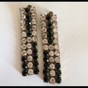 Jewelry - 🎉🎉HP🎉🎉 Showstopper earrings