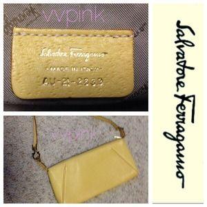 Ferragamo Handbags - 🌼 Salvatore Ferragamo Yellow Handbag 🌼