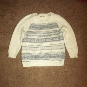 Old Navy cream sweater. Size M.