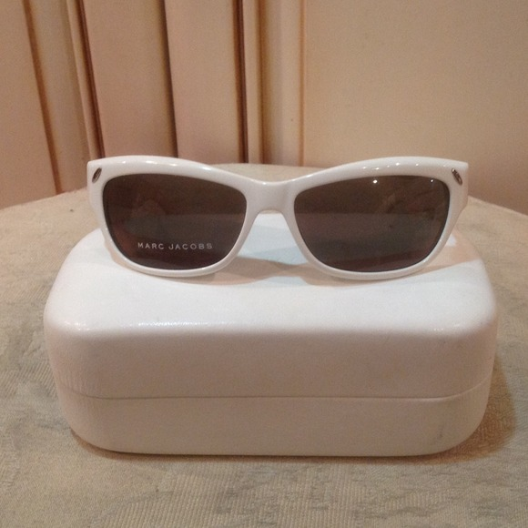 Marc Jacobs Accessories - Marc Jacobs sunnies. Made in Italy