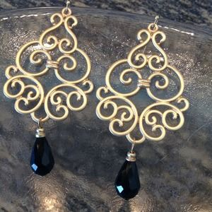 Jewelry - Black drop with gold Matte Filigree!