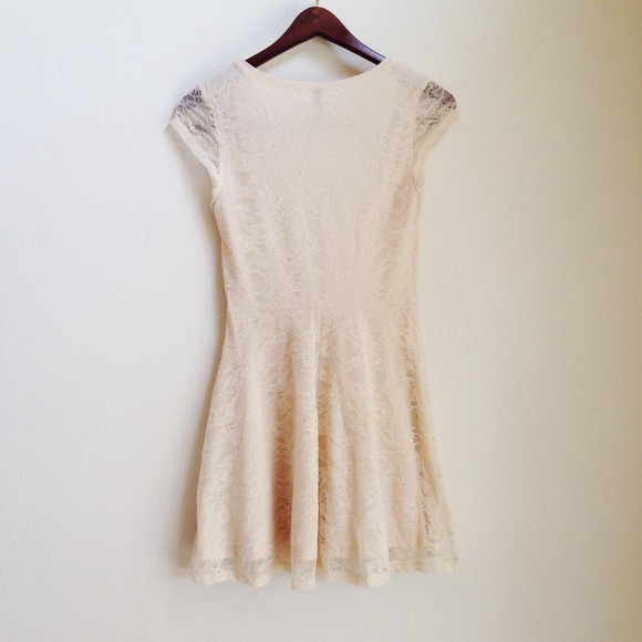Dresses - RESERVED Beige lace dress