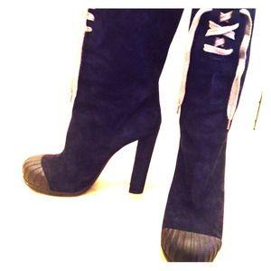 Fendi boots size 40