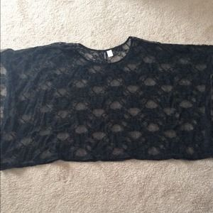 H&M Tops - Black lace batwing top