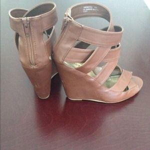 Bamboo Shoes - 💕Downtown Chic 4/1 HP💕 Camel strap wedges