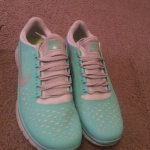 Crystal mint/gray women's nike free 3.0 v4.