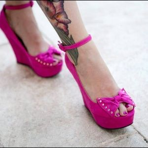 Fuschia Pink Peeptoe Wedges with Bow