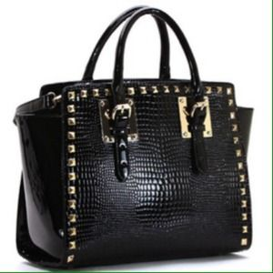 Handbags - Trendsetter Tote - Black