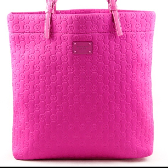 f108cb760ef7 Buy michael kors hot pink purse   OFF64% Discounted