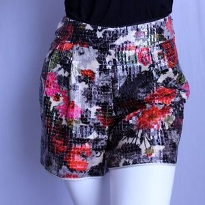 Host Pick🎉 Lela Rose Floral Sequin Shorts