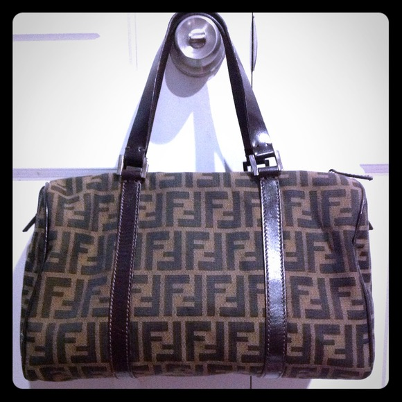FENDI Handbags - 👜FOR  LILYLE👜Authentic Fendi Boston Bag Used 8190920b5f0b9