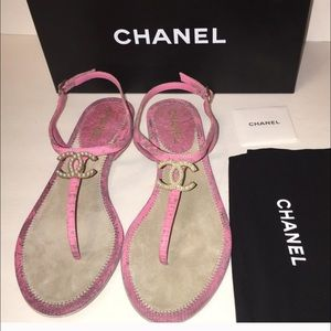 CHANEL Shoes - Chanel Logo Sandals Pink Pearl CC Euro 41 New