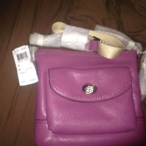 100% Authentic Coach Swing Pack Leather