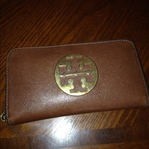 ⬇️Authentic Tory burch wallet